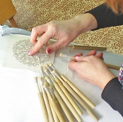 Фото сколка кружевной салфетки с конкурса «Серебряная коклюшка»