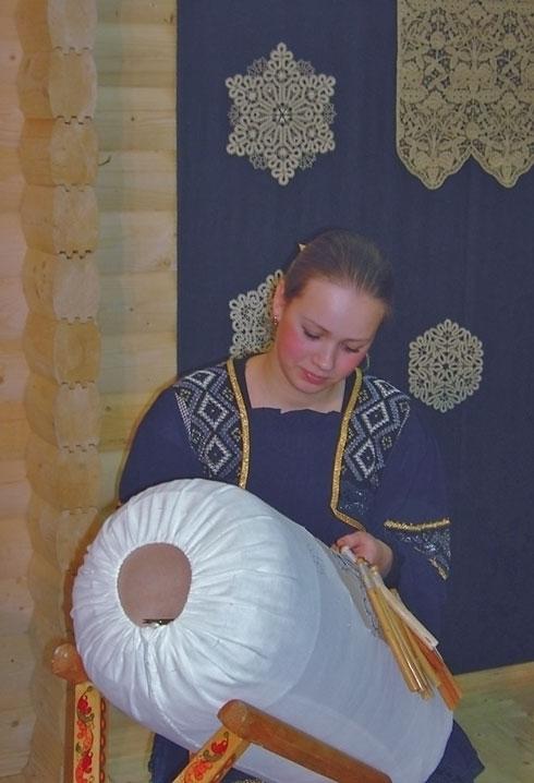 Кружевница на выставке-ярмарке «Российский лен - 2007
