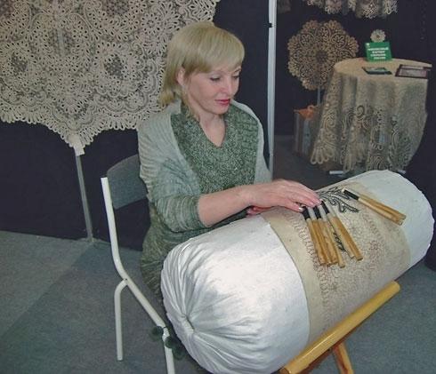 Кружевница на выставке-ярмарке «Российский лен - 2007»