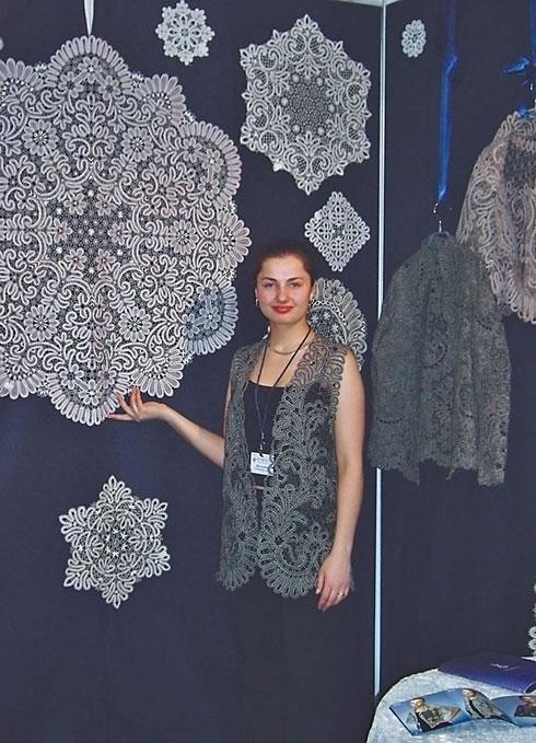 Татьяна, сотрудник кружевного объединения «Снежинка»